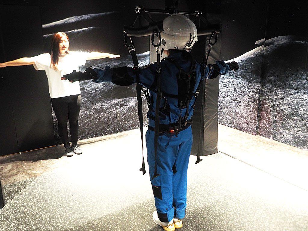 世界初のVR月面無重力シミュレーションにチャレンジ