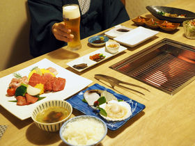 箱根「焼肉と海鮮の宿 らく」1万円台で温泉+贅沢ひとり焼肉体験!