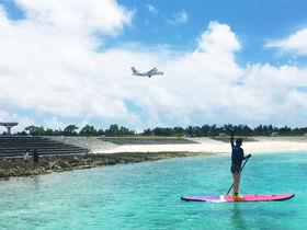 ソーダ色の海から飛行機ビューン!奄美群島・喜界島のスギラビーチ
