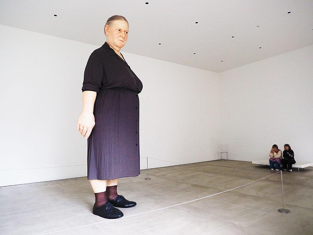 おしゃれアートがいっぱいの「十和田市現代美術館」