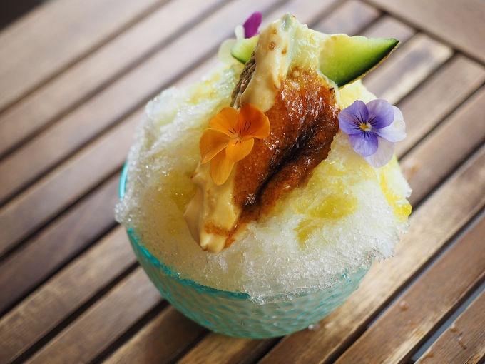 旬の果物を使った炙りかき氷「パティスリー46」