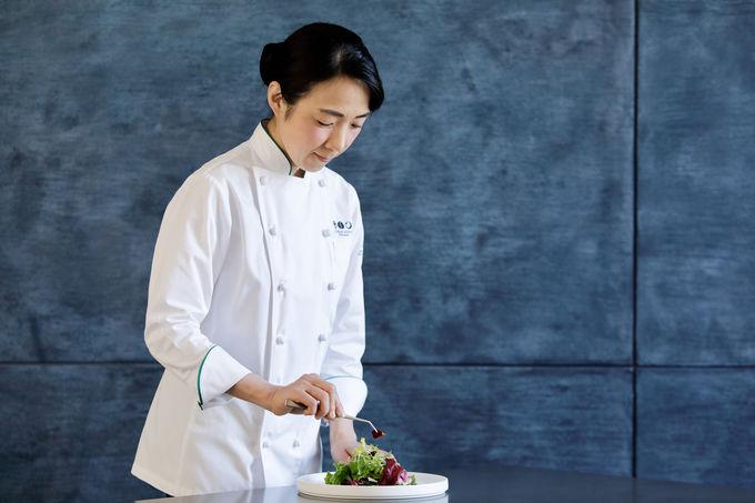 星野リゾート初!女性料理長の繊細なディナーを