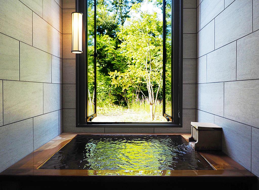 シャワーからも源泉。美肌湯をとことん楽しむ