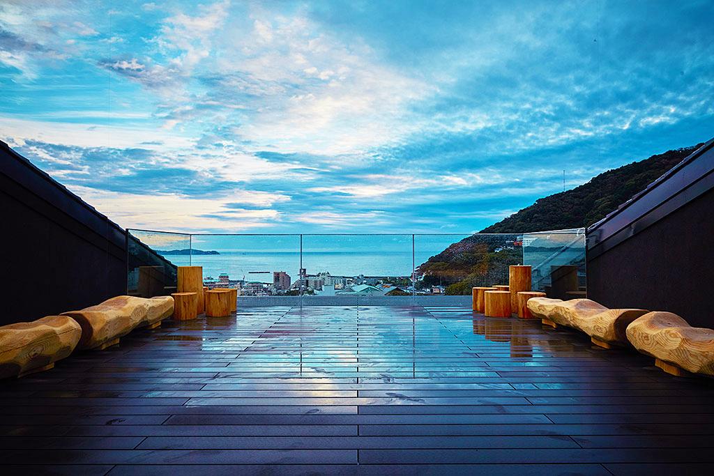 熱海の隠れ温泉宿「SOKI ATAMI」でワンランク上の開放感!