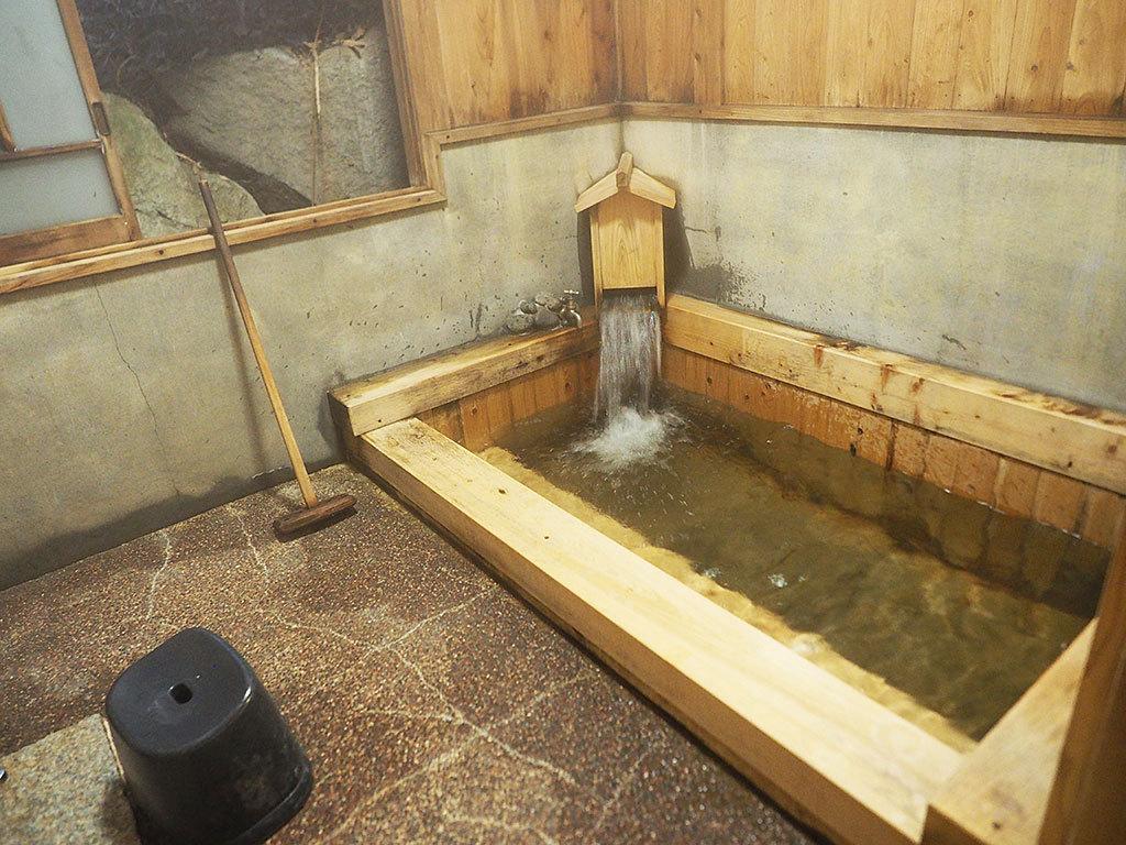 無料で入れる!入れたて新鮮な湯の貸切風呂