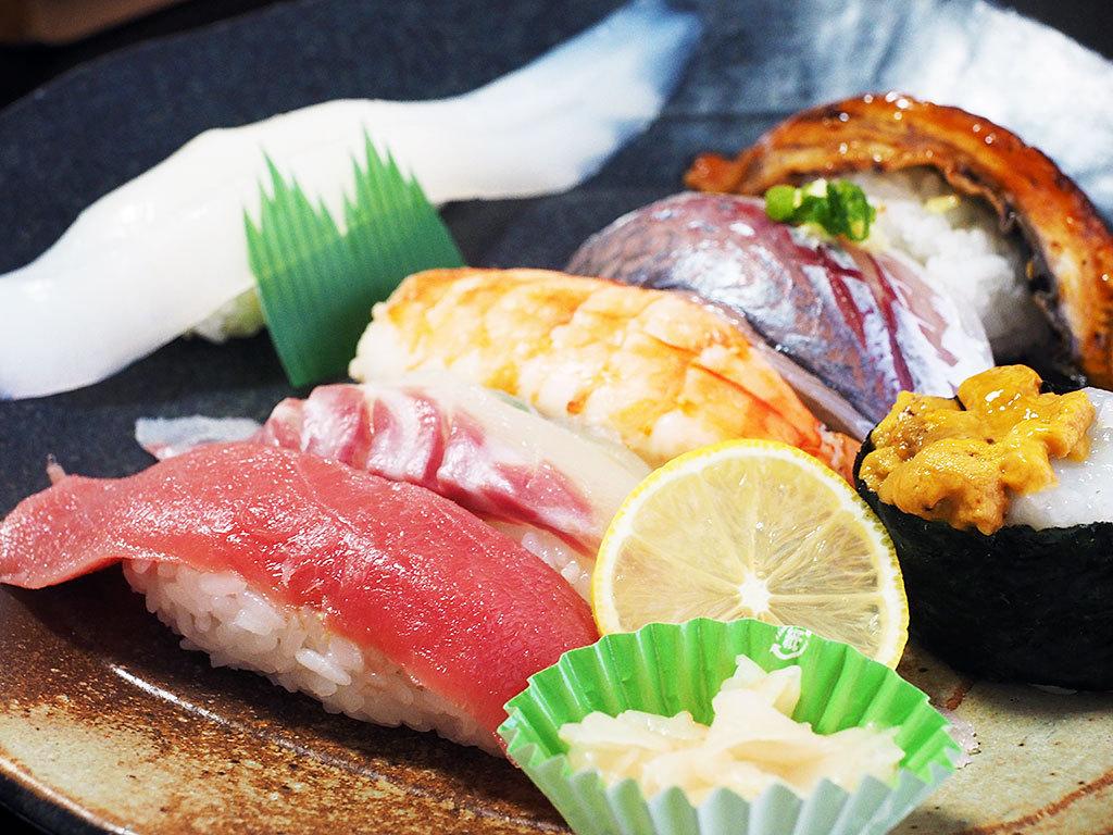 「切りますか?」と普通に聞かれる、デカネタ寿司