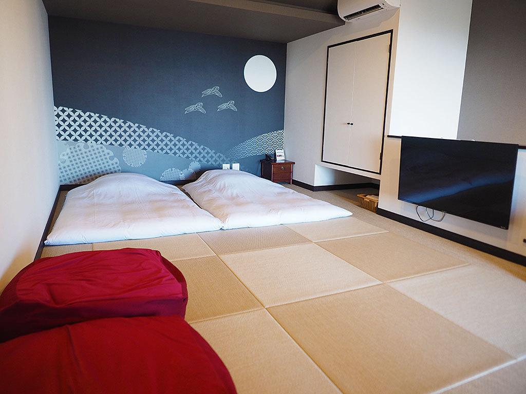 全室90平米以上。プライベート重視のメゾネット型客室