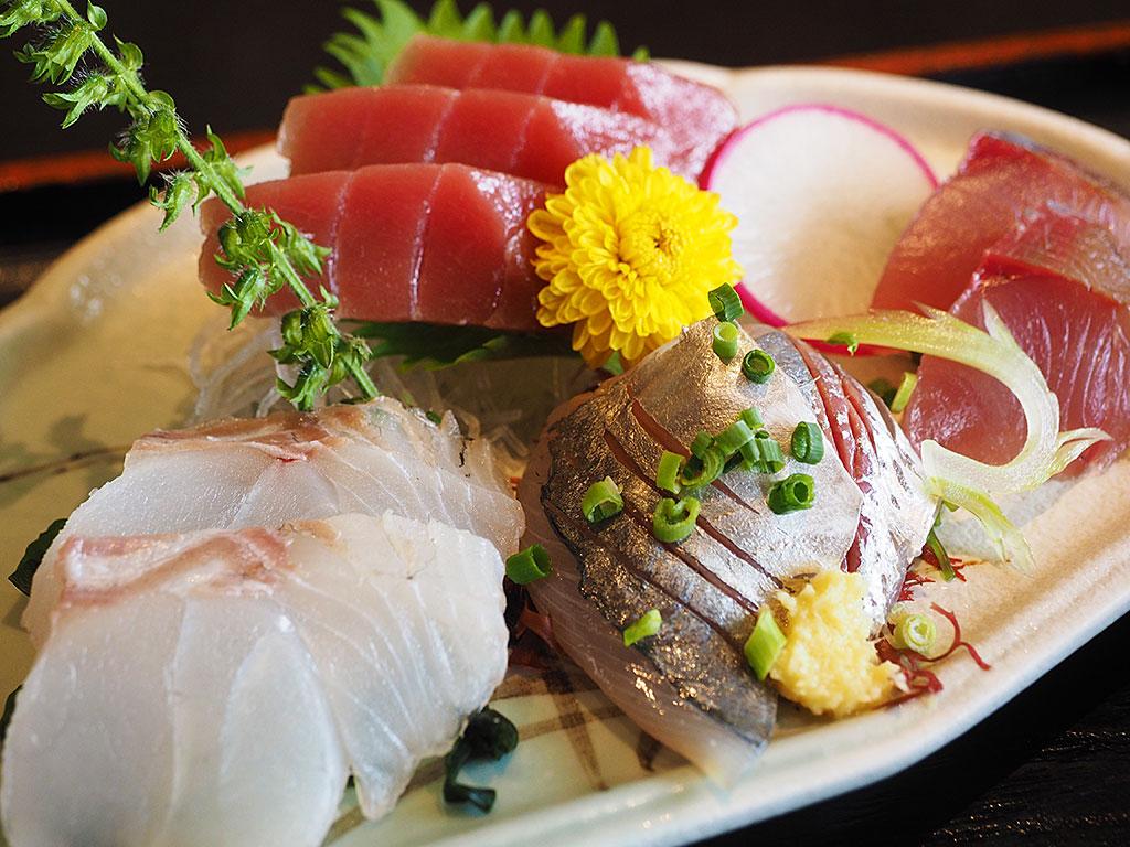 まぐろ料理の定番、お寿司&新鮮なお刺身ならここ!