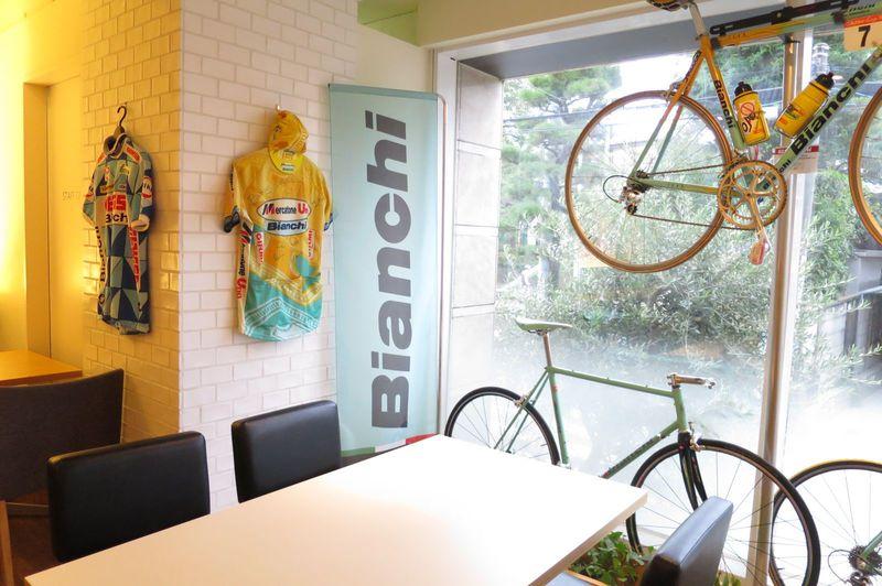 自由が丘に吹くイタリアの風!『ビアンキカフェ&サイクルズ』で美しい自転車とともにランチはいかが