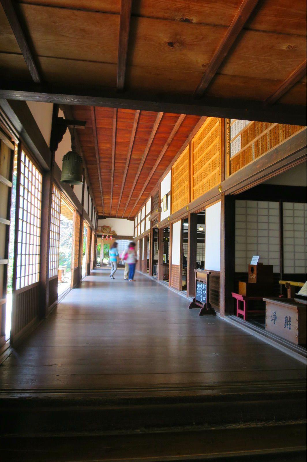 伝説の名工・左甚五郎作「鴬張りの廊下」