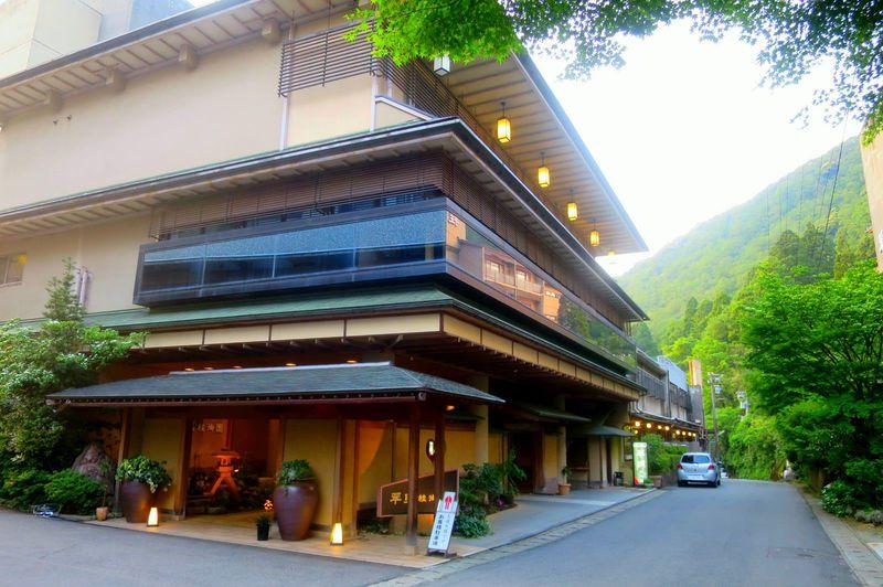 古き良き昭和の風情のこる山中温泉「翠明」で憩う加賀温泉郷