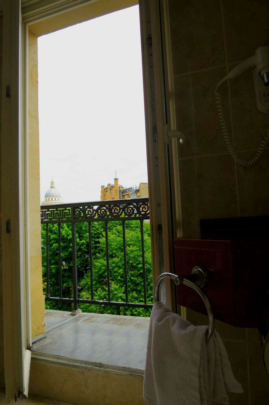 パリで朝風呂という贅沢