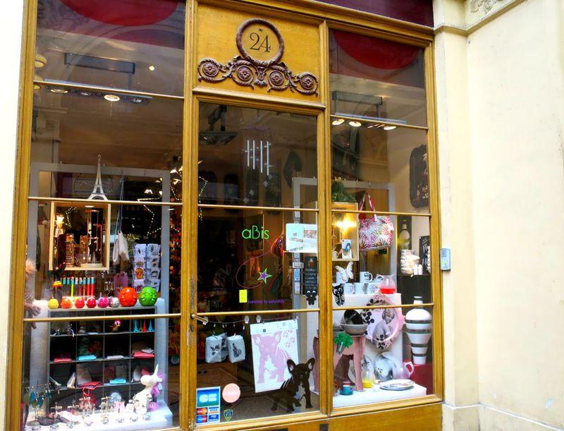 センスが光る!パリで行くべき雑貨屋「aBis」ギャルリ・ヴィヴィエンヌ24番地