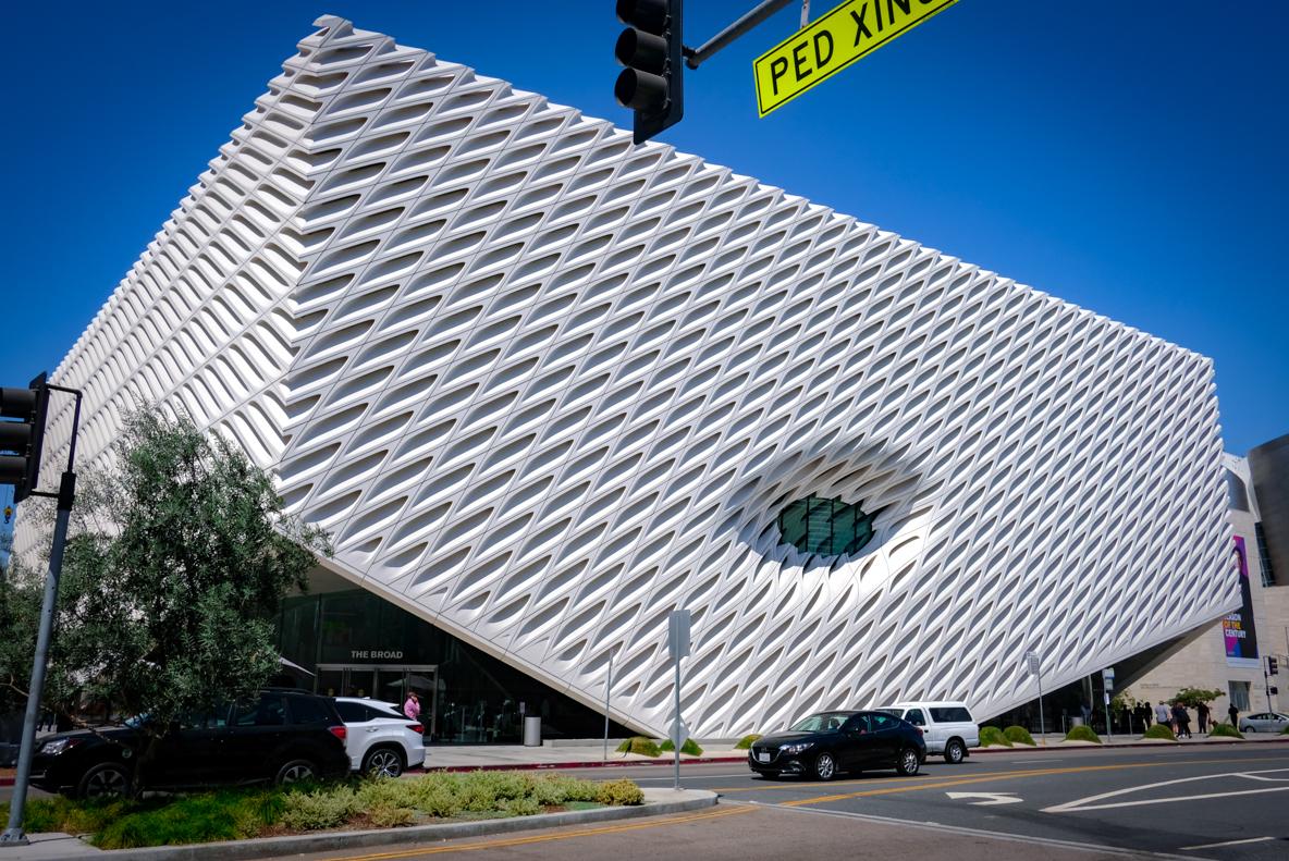 美術館の外観も映える!絶好の撮影スポット