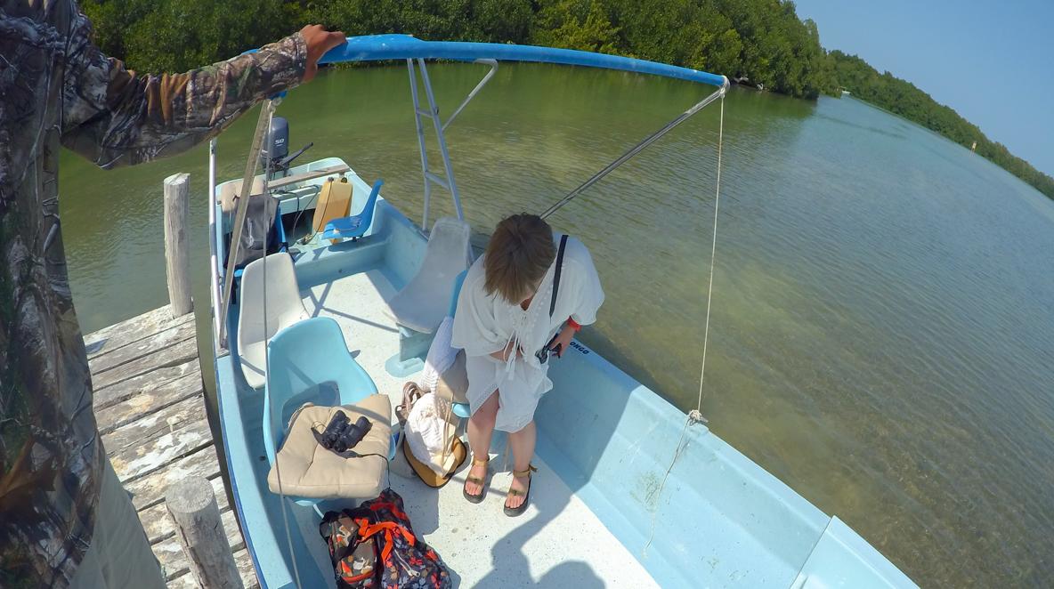 ボートツアーは現地でも申し込み可能!