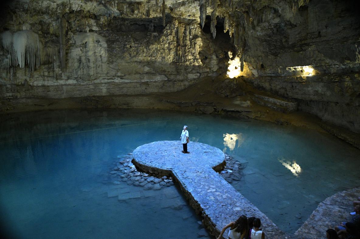 天然のスポットライト!メキシコ「セノーテ・スイトゥン」人気の秘境