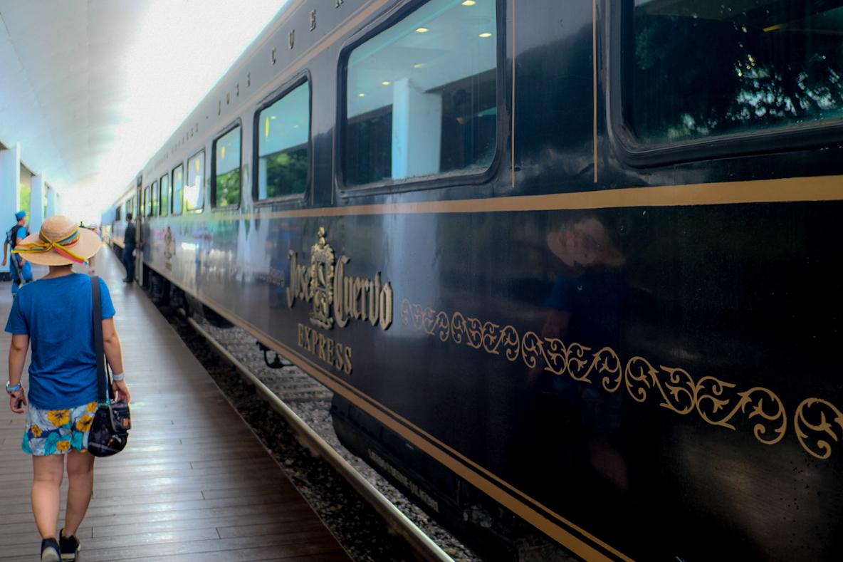 グアダラハラ出発!豪華列車にテンションマックス!