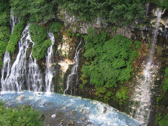 青い池の原点!?ブルーリバーにそそぐ「白ひげの滝」