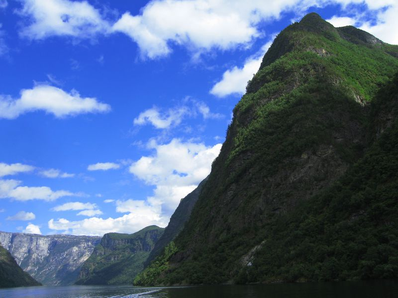 世界最長・最深のフィヨルド!ノルウェー・ソグネフィヨルドを周遊旅行