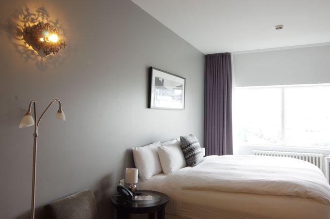 ホテル客室は広々キングルーム!