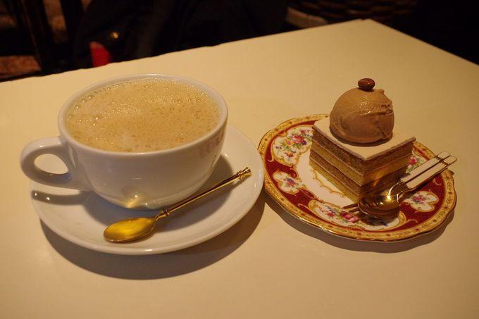 コーヒーとミルクをテーブルで!珈琲美学アベの名物カフェオレ