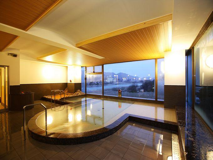 長良川と岐阜城を一望できる露天風呂