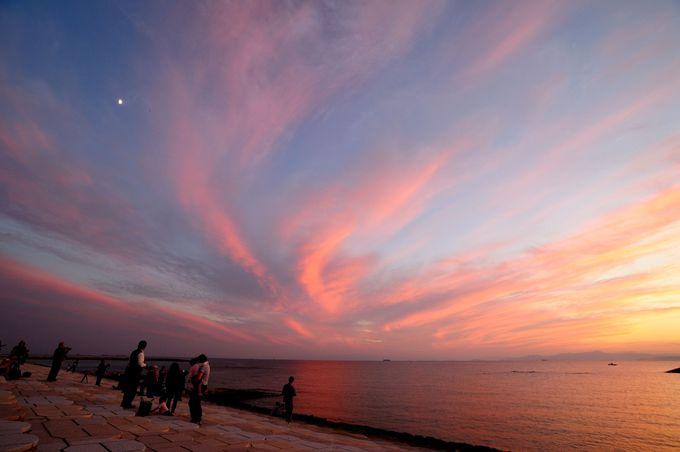「日本の夕日100選」のきららビーチ焼野