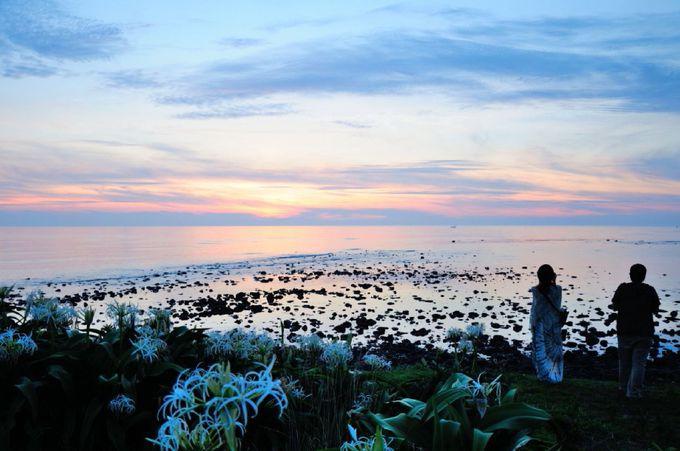 「角島灯台」と夕暮れの景色