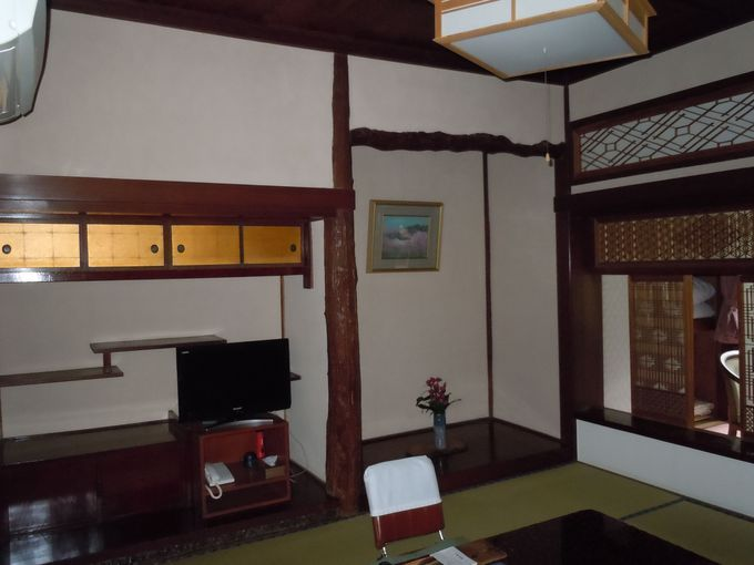 川端康成が滞在中、宿泊した客室「山桜」