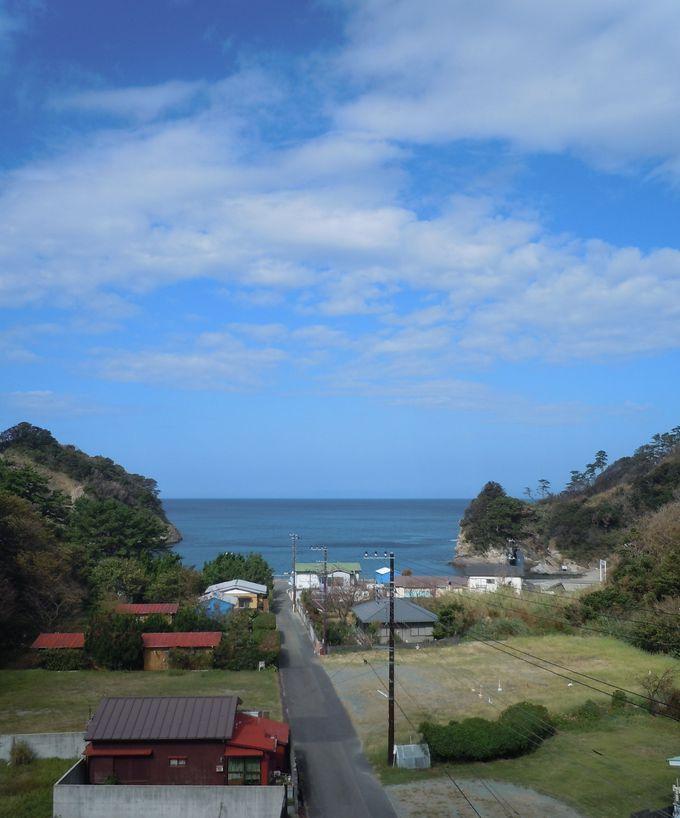 青々とした美しい空と海