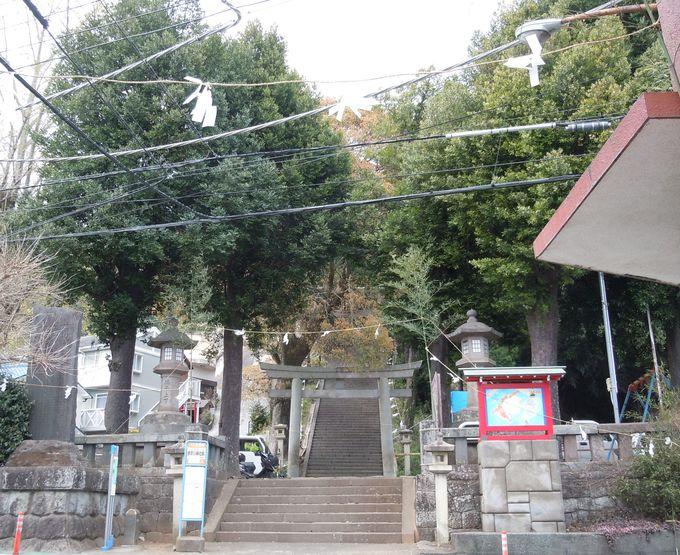 偲び逢いの舞台、伊豆山神社
