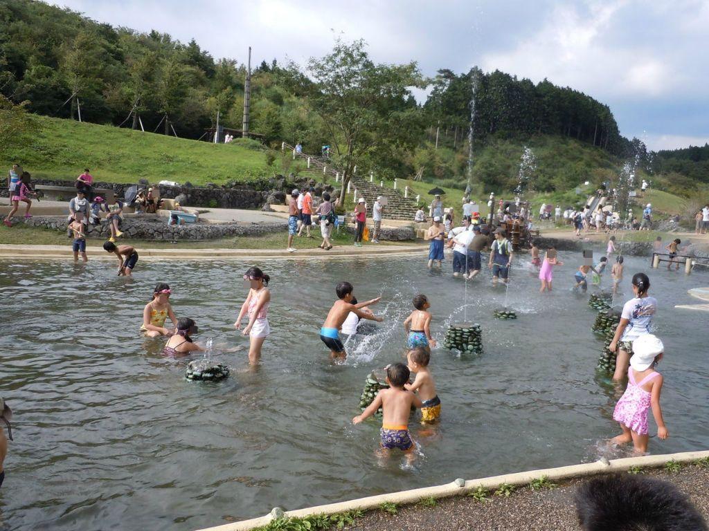 夏は水の国で、おおはしゃぎ