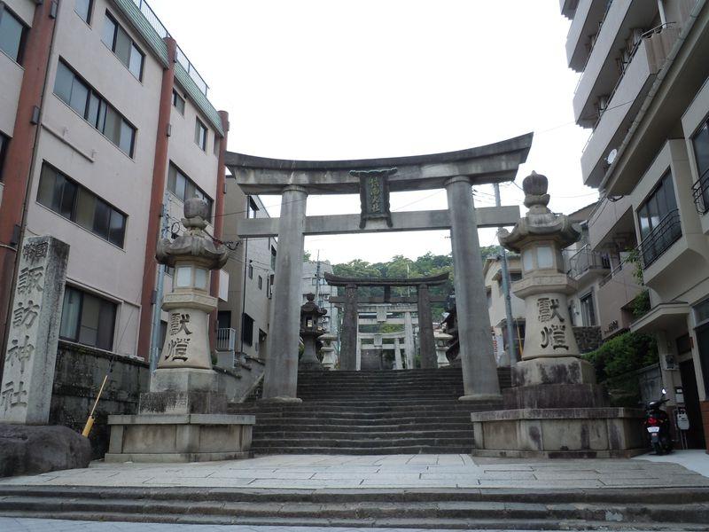 長崎くんちで名高い諏訪神社、パワースポット巡り〜長崎市〜