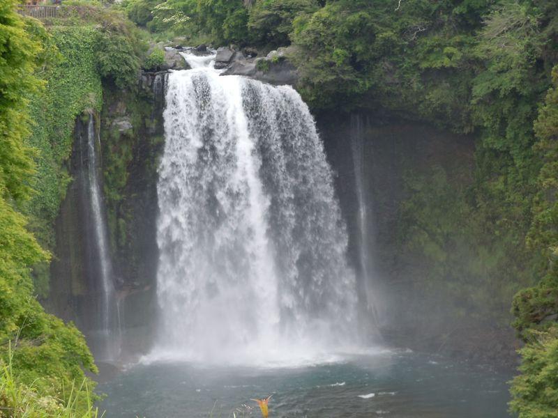 世界遺産富士山の構成資産、日本の滝百選「白糸の滝」〜富士宮市〜