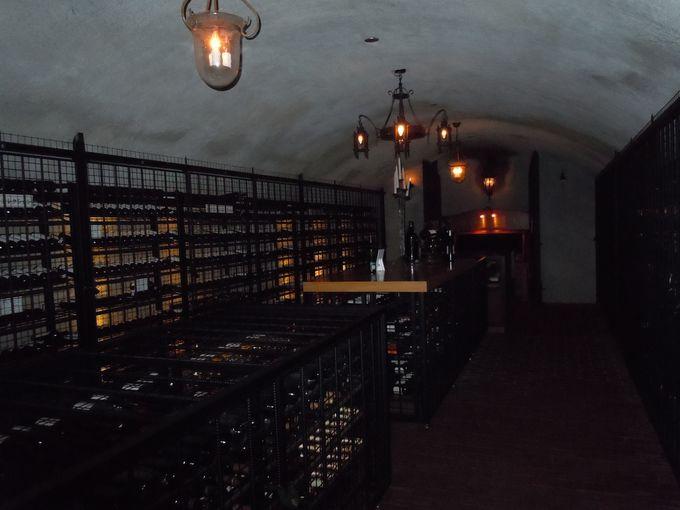 貴重なワインが眠るセラー