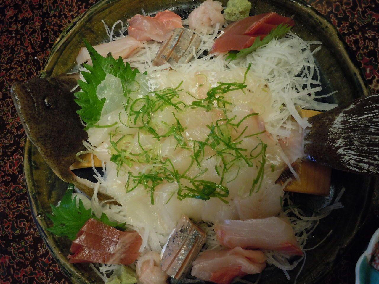 新鮮な魚料理と田舎ならではの温かい料理