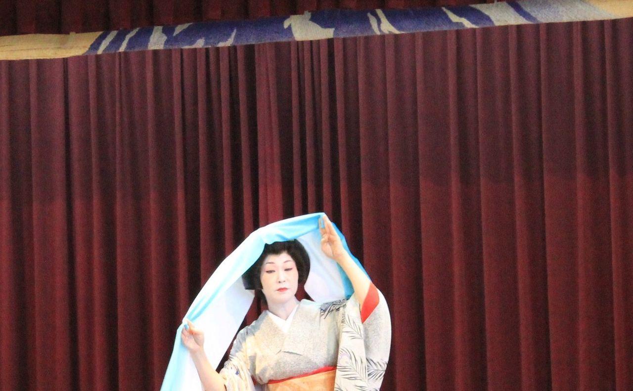 芸妓さんの舞