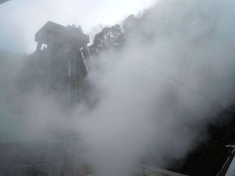 世界でここだけ!?源泉岩盤浴ができる河津・谷津温泉「薬師の湯」