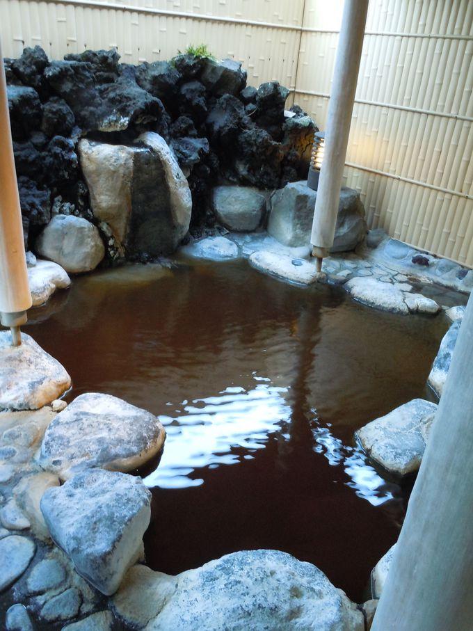 今日の温泉は何色? 変化が感じられる生きている温泉