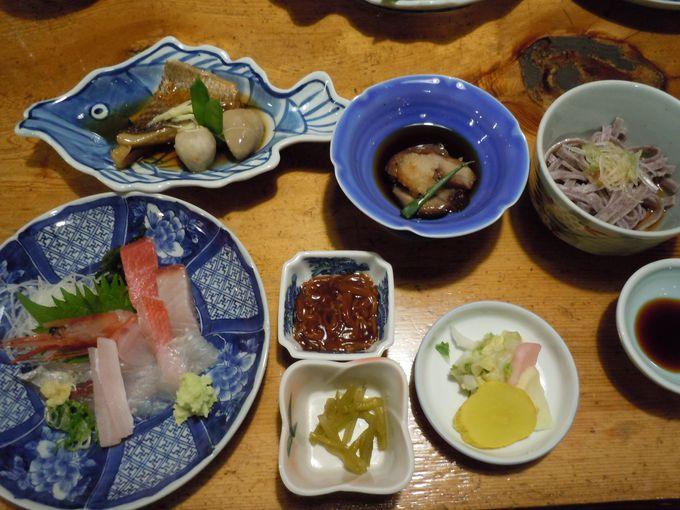 魚を知り尽くしたベテランが調理!食事処「民芸茶房」