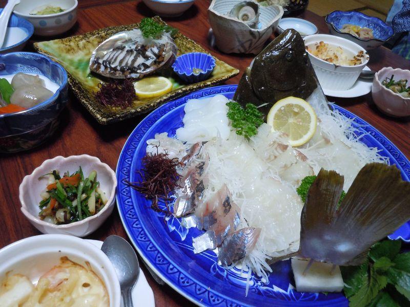 日本一美しい村で食す海の幸?!伊豆松崎・温泉民宿「石部荘」