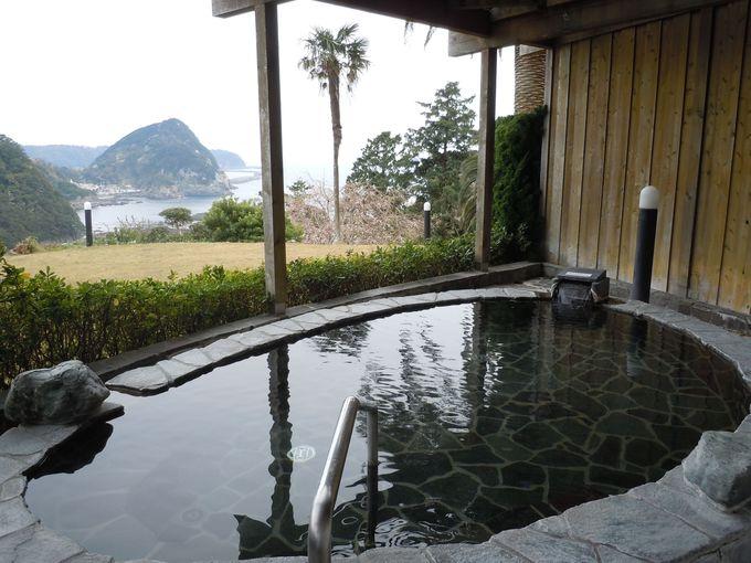 ミシュラン2つ星の遊歩道を望みながら入る風光明媚な絶景風呂!
