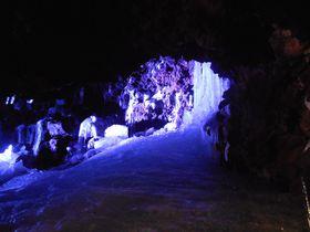 日本一涼しい富士山の洞窟!山梨・天然記念物「鳴沢氷穴」