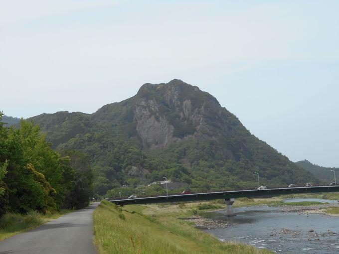 伊豆の国のシンボル!静岡自然百選「城山」