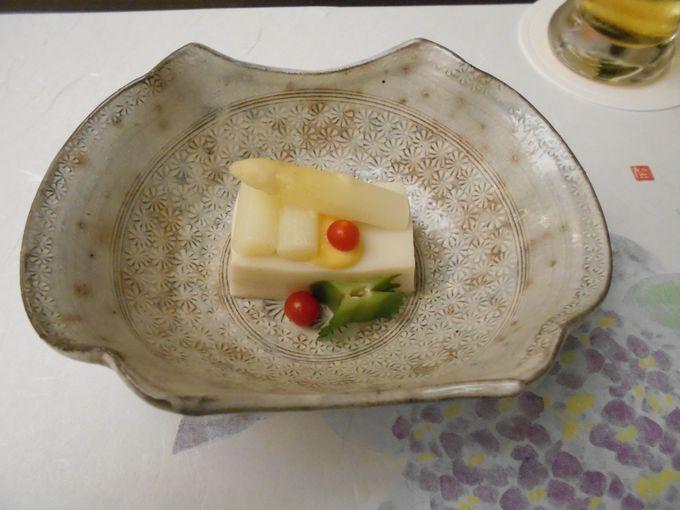 贅を極めた日本料理を頂ける「夢路」