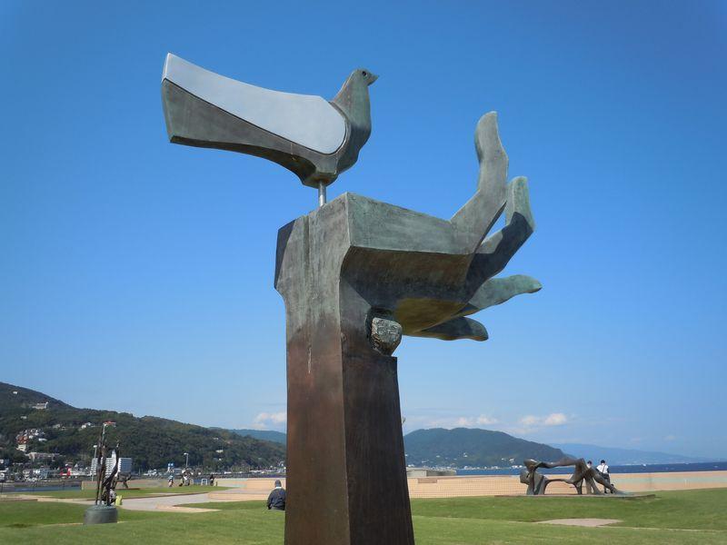 世界的な彫刻作品をタダで見られる!伊東市「なぎさ公園」&「按針メモリアルパーク」