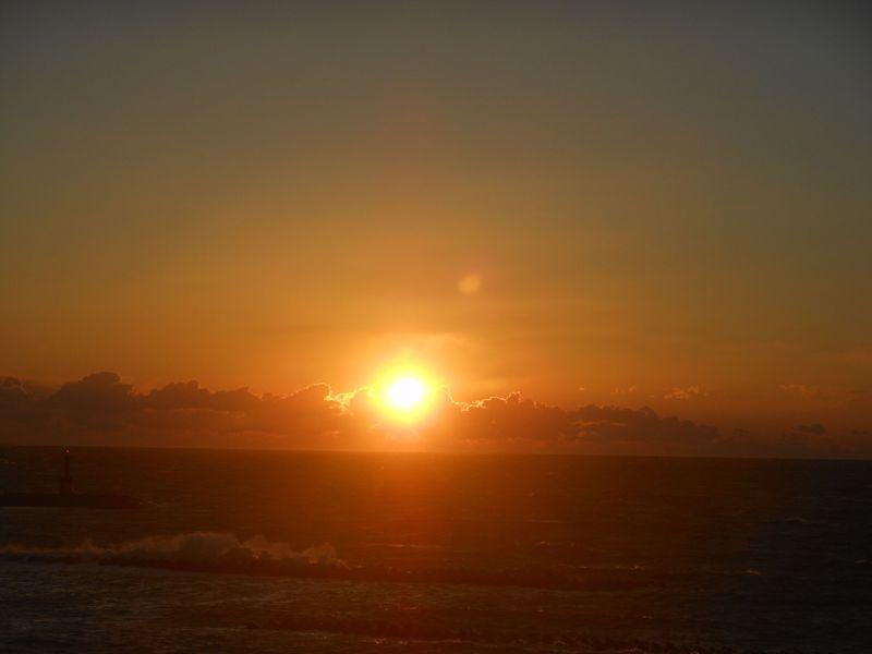 絶景の夕日と駿河湾を一望!公共の宿「伊豆まつざき荘」