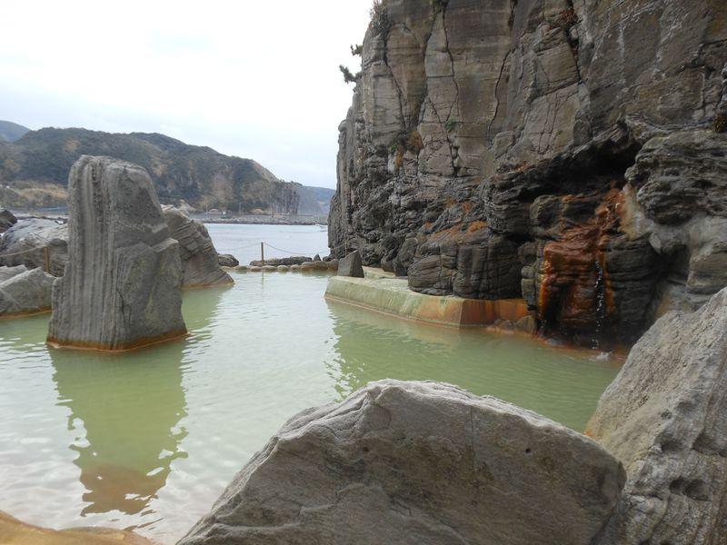海辺の絶景露天風呂でリフレッシュ!神津島温泉保養センター
