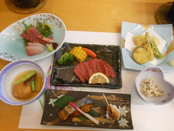 宮崎を代表するグルメにありつける!美味満腹の会席料理