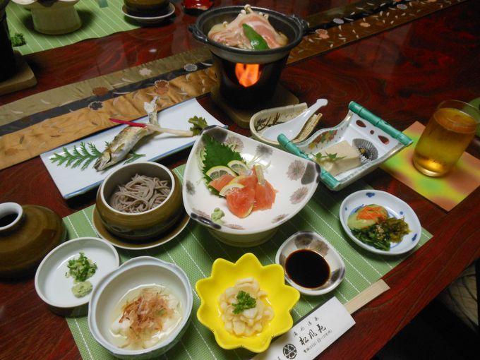 評判の「ゴマ豆腐」も見逃せない!山里の素材を盛り込んだヘルシー料理